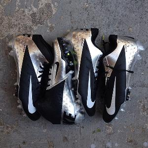 Victor Cruz Custom Cleats